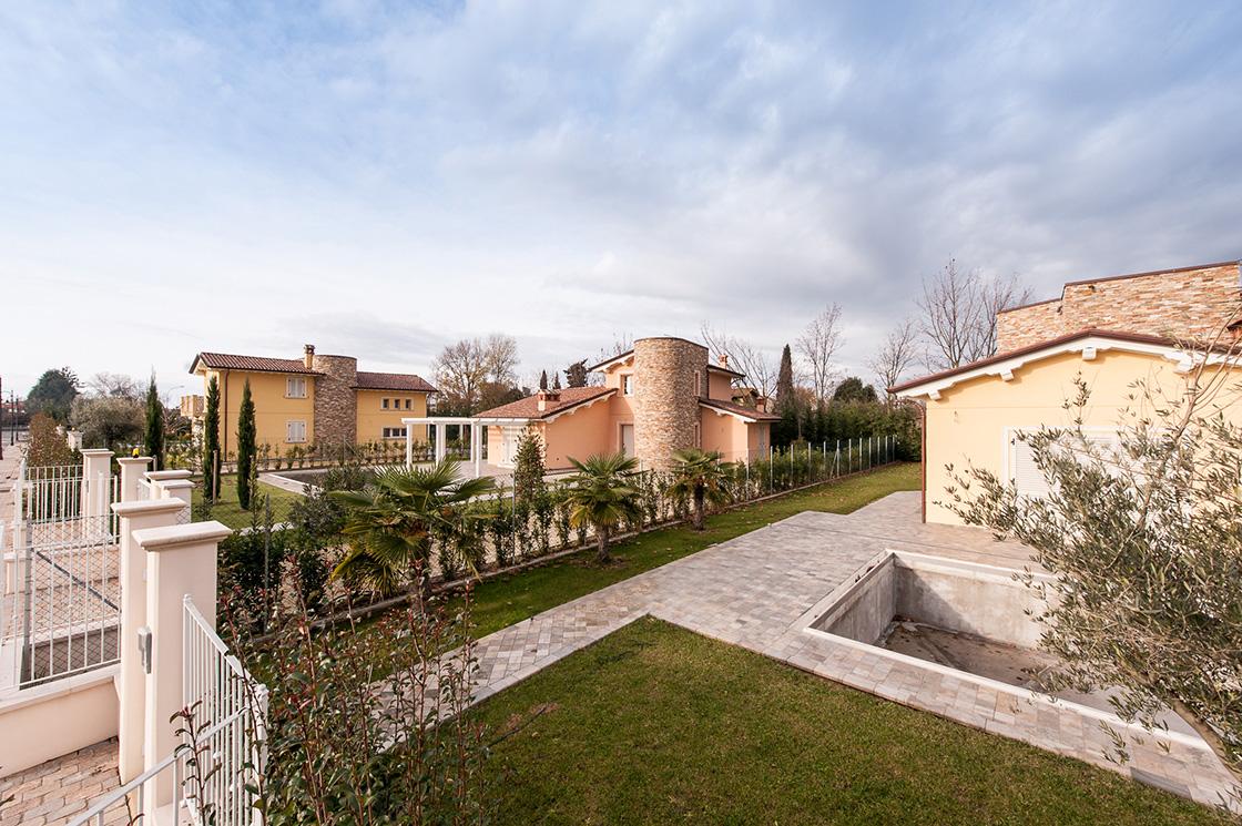 """nuova-costruzione-di-ville-unifamiliari-e-bifamiliari-in-pietrasanta-(lucca)-localita'-""""le-iare""""-image-16"""