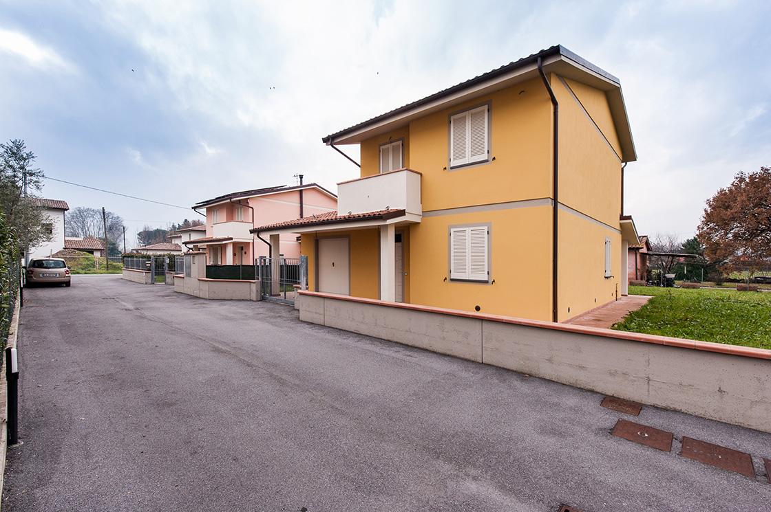nuova-costruzione-di-ville-unifamiliari-in-capannori-(lucca)-frazione-lammari-image-1