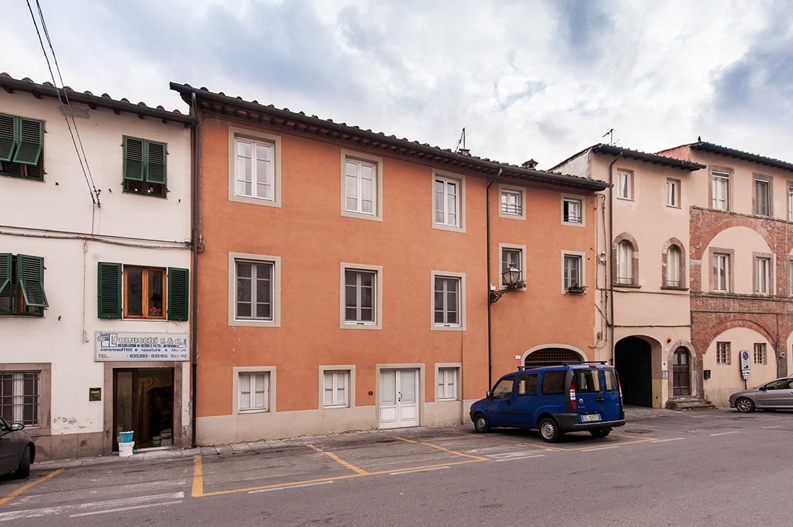recupero-di-edificio-in-lucca-centro-storico-piazza-luigi-varanini-image-2